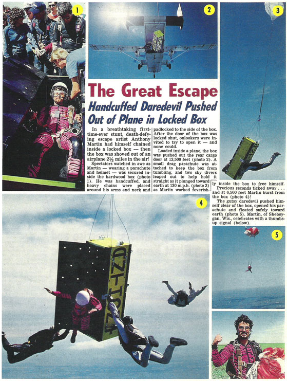 The Great Escape - Handcuffed Daredevil Pushed Out of Plane in Locked Box